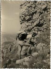 PHOTO ANCIENNE - VINTAGE SNAPSHOT - MONTAGNE ESCALADE SAC À DOS - CLIMBING 1956
