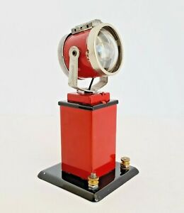 Lionel Trains Metal Electric Spotlight Tower, Red, Excellent