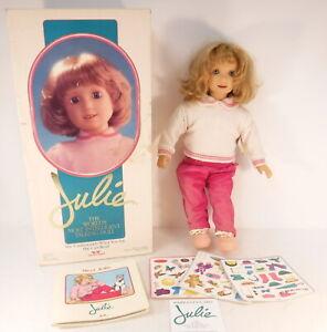 Vtg 1987 Worlds of Wonder Julie Doll Interactive Talking w/ Book & Original Box