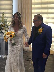 Size 10-12 Willoby boho white wedding dress perfect condition beautiful dress