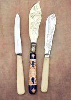ANTIQUE BUTTER KNIVES - CERAMIC LEAFY ENGRAVED SILVER PLATE CUTLERY SHEFFIELD