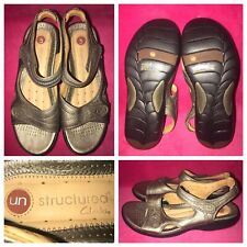 Unstructured Clarks Women's (7W) Metallic Silver Leather Slingback Sandals/Shoes