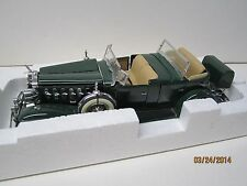 danbury mint 1932 CADILLAC V-16 Sport Phaeton 1:24  in the orig box