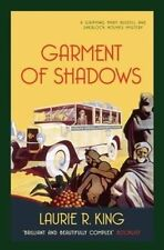 Garment of Shadows by Laurie R. King (Paperback)