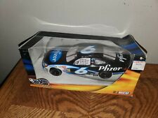 Hot Wheels Racing 2002 #6 Mark Martin Pfizer Race Car