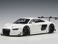 Autoart Audi R8 LMS 1:18 Model Car Plain Color Version White 81602