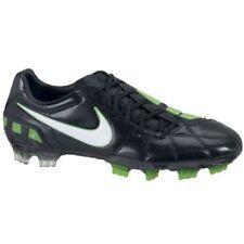 39 Scarpe da calcio nere Nike