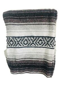 BRAND NEW AZTEC THTOW BLANKET GRAY