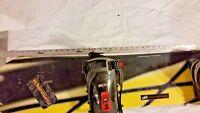LAMAR 144cm 4 HOLE BINDING BLACK YELLOW SNOWBOARD W/ RED BLACK 686 BINDINGS NICE
