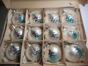 12 VINTAGE GLASS HAND PAINTED LARGE WHITE & GREEN CHRISTMAS TREE BAUBLES BOXED