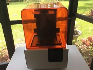 FORMLABS Form 2 SN SolidSquab 3D Printer. FOR PARTS OR REPAIR. AS-IS