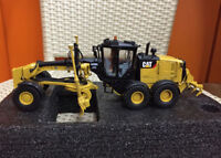 Caterpillar Cat 140M3 Motor Grader 1:50 Scale Model By Diecast Masters DM85544