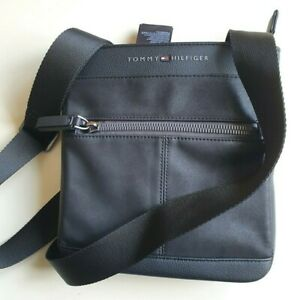Med Essential Flat Bag Tommy Hilfiger Mens Black Leather-Look Shoulder Bags