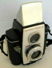 **1950s KODAK BROWNIE REFLEX 20 620 ROLL FILM CAMERA IN VERY GOOD CONDITION**