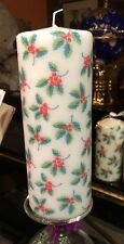 CATH KIDSTON HOLLIES HAND DECORATED PILLAR CANDLE 90hrs 18x6.5cm