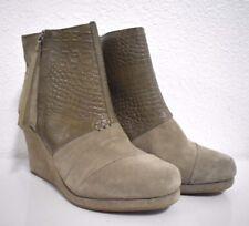 New Toms Desert Wedge Suede Embossed Booties Women's Boots size 7.5