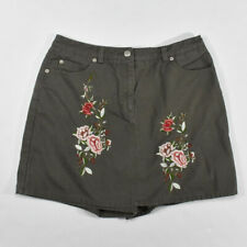 Newport News Floral Embroidered Denim Skort SIZE 10 Khaki Green Women's