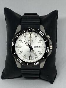 bCasio Super Illuminator MTD-1080 Men Black Resin Analog Dial Quartz Watch XR201