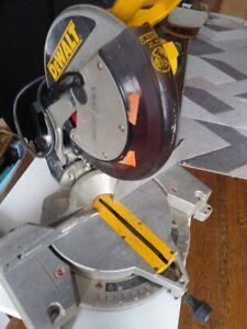 DeWalt Compound Miter Saw 12 inch DW705 4000 RPM 15 AMP 120V Brooklyn NY