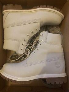 womens timberland boots size 4