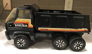 VINTAGE 1980'S  TONKA DUMP TRUCK - GVW 35000 -BLACK STEEL GRAY PRESSED STEEL TOY