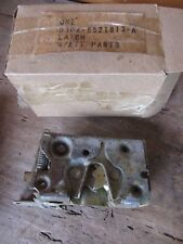 NOS 1971 1972 1973 FORD MUSTANG TORINO LH DOOR LOCK LATCH D3OZ-6521813-A