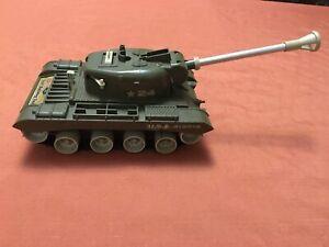 Vintage Remco Light Bulldog Tank w/ Tracks - c.1960s