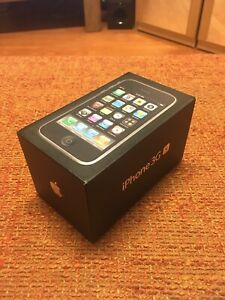 Apple iPhone 3GS - 16GB - Black (Unlocked) A1303 (GSM) (CA)