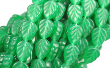 25 JADE GREEN GLASS LEAF BEADS 10MM