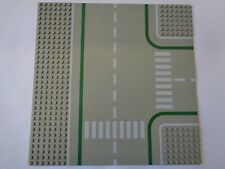 LEGO Plaque de Base Baseplate, Road 32 x 32 T Intersection with Road (608p01)
