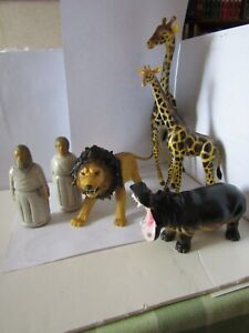 Large scale zoo animals and figures.