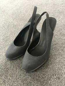 CARVELLA GREY STILETTOS SIZE 5, NEW