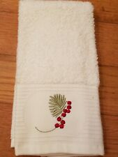 Sophia Embroidered Cream Christmas Holiday Holly Berry Guest/Fingertip Towel