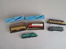 HO scale diesel locomotives 5 total