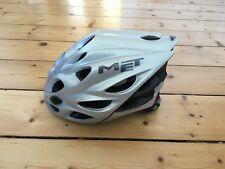 Fahrradhelm von MET für Erwachsene in grau, ohne Sturz