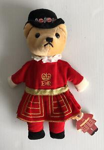 The Velveteen London Beefeater Royal Guard Bear England 24cm Plush Teddy BNWT