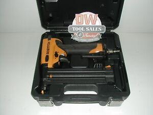 Bostitch 18 Gauge Brad Nailer Nail Gun w/ Case (USED) BT1855K