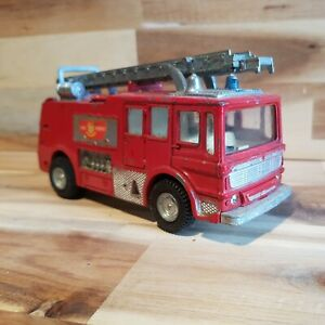 Dinky toys no 285 .fire tender  vintage toy spares or repair. Rescue veichel.