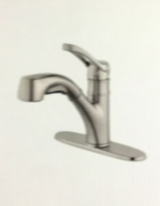 Pfister Prive Single-Handle Pull-Out Sprayer Kitchen Faucet in Stainless
