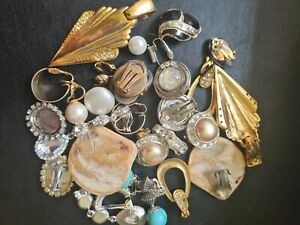 Joblot Vintage Clip on Earrings Most Pairs Ideal Upcycle Craft Costume Jewellery