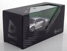 1 43 Kyosho Audi R8 2006 Silver/carbon