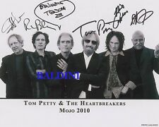 TOM PETTY AND THE HEARTBREAKERS - SIGNED 10X8 PHOTO, GREAT PROMOTIONAL  IMAGE