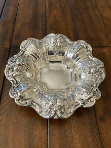 "BEAUTIFUL REED & BARTON FRANCIS I 1ST Sterling 8"" Bowl Repousse X569 288 GRAMS"