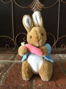 """VTG Beatrix Potter Peter Rabbit Frederick Warne EDEN Plush Bunny w Carrot 7.5"""" T"""