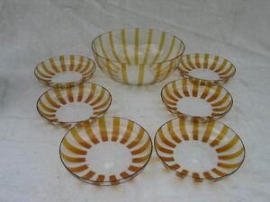 Schalensatz 7 tlg. 50er Jahre Design Glas Gelblasur