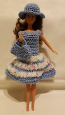 Handarbeit Barbie Kleid mit Hut Puppen & Zubehör