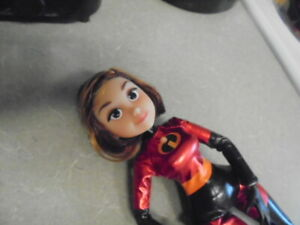 Mrs Incredible from the Incredibles 2, articulated doll