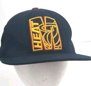 UNK Miami Heat NBA Basketball Team Cap Hat Black Fitted Size 7 1/8