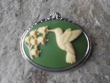 SALE - CREAM HUMMINGBIRD ON GREEN CAMEO ANTIQUED SILVER TONE BROOCH / PIN