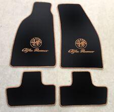 Autoteppiche Fußmatten für Alfa Romeo Spider 916 ab1994' Logo Schrift Cognac Neu